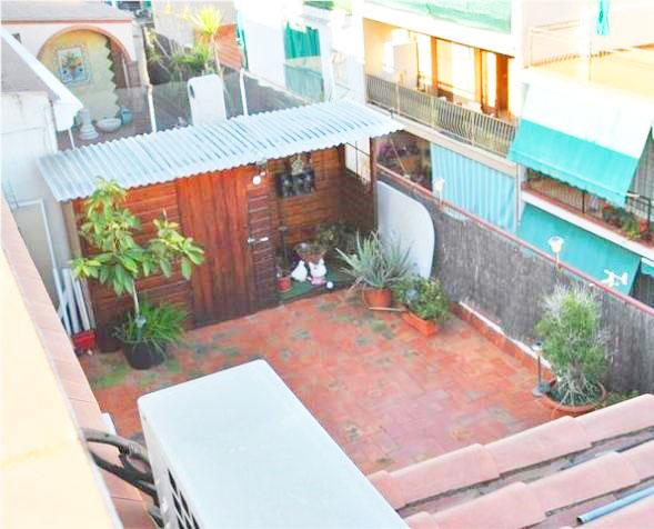Tico con terraza a nivel en premia de dalt - Atico terraza barcelona ...